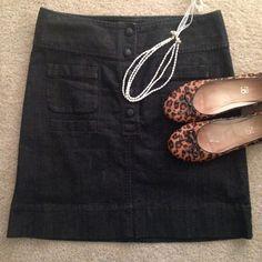 "☀️ Dark Wash Denim Skirt ☀️ Dark wash denim skirt, size 8. Has pockets!                Waist: 31""                                                                               Length: 19.5"" Luck Jeans Skirts"