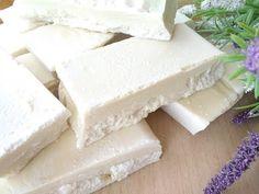 Jabón casero | No tires el aceite, recicla!! Diy Soap Video, Home Made Soap, Dremel, Diy Videos, Soap Making, Diy Art, Chiari, Homemade, Fels Naptha