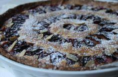 Tarte aux Questsches et aux amandes  http://cestmasoeurquiregale.e-monsite.com/pages/desserts/tartes/tarte-aux-quetsches-et-aux-amandes.html