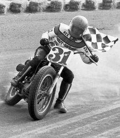 Flat Track Motorcycle, Flat Track Racing, Motorcycle Racers, Motorcycle Garage, T Race, Track Cycling, Flat Tracker, Grand National, Dirt Track