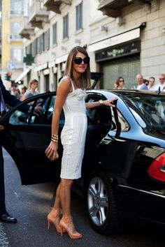 #AnnaDelloRusso in  Milan 2009. Ladies, this is how we make an entrance. Schooled in chic.  #TheSartorialist