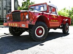 This 1968 Kaiser Jeep is one hell of a fire truck! Jeep Cj7, Jeep Wagoneer, Jeep Pickup, Jeep Truck, Old Trucks, Fire Trucks, Jdm, Muscle Cars, Brush Truck