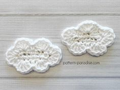 Free crochet pattern for cloud applique perfect for a rainbow, bunting, mobile and more available on Pattern-Paradise.com #crochet #patternparadisecrochet