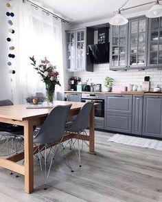 21 Creative Grey Kitchen Cabinet Ideas for Your Kitchen - Design della cucina Interior Modern, Kitchen Interior, Interior Design Living Room, Kitchen Decor, Kitchen Ideas, Ikea Interior, Apartment Interior, Grey Kitchen Cabinets, Kitchen Cabinet Design