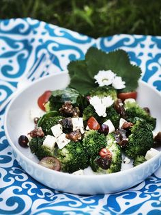 Home and Delicious: food: broccoli salad with peaches and feta