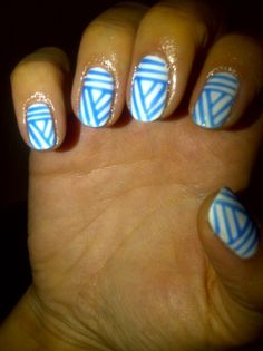 Blue and white... you could do these in school colors for graduation!