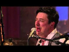 Music video by Mumford & Sons performing Lover Of The Light (Live On Letterman). (C) 2012 CBS INTERACTIVE MUSIC GROUP