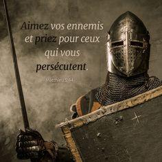 La Bible - Versets illustrées -  Matthieu 5:44 - Aimez vos ennemis et priez pour ceux qui vous persécutent.