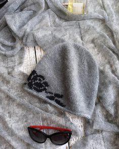 Вот такой получился комплект-шапочка из ангоры с добавлением кид-мохера, вышивка ангорой , единственная в таком цвете и шарф из кид- мохера серого цвета с лёгким меланжевым эффектом. Пока в наличии, постараюсь сегодня сделать фото на себе, не переключайтесь