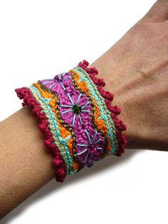 armb nder armband crochet bracelet h kelarmband ein designerst ck von crochet bei. Black Bedroom Furniture Sets. Home Design Ideas