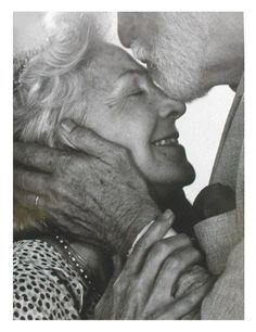 Old couples are so cute! hungryincle Old couples are so cute! Old couples are so cute! Vieux Couples, Old Couples, Elderly Couples, Mature Couples, True Love Couples, Sweet Couples, Happy Couples, Married Couples, Wedding Ideas For Older Couples