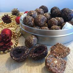 Trio de truffes aux noix et aux dattes Le Cacao, Saveur, Plum, Cookies, Chocolate, Fruit, Desserts, Posts, Food