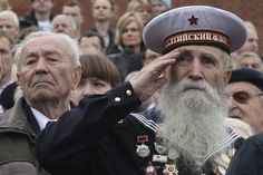 Rusia conmemoró la victoria de 1945 contra el nazismo en la Plaza Roja de Moscú http://cor.to/qlB
