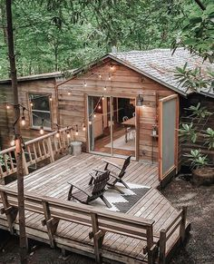 my scandinavian home: Before & After: A Dated Cabin Becomes a Dreamy Airbnb Hideaway In The Woods Cottage In The Woods, Cabins In The Woods, House In The Woods, Cabin Homes, Log Homes, Wooden Cabins, Cabins And Cottages, Cozy Cabin, Guest Cabin