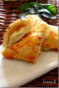 Pateuri cu branza cu aluat dospit - sectiune Foodies, Deserts, Bread, Ethnic Recipes, Sweets, Brot, Postres, Baking, Breads
