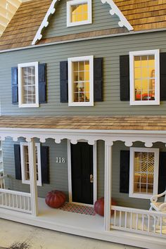Sweet little post about this dollhouse. (And some get ideas.)