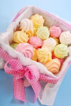 Chocolate y donuts Meringue Cookies, Cake Cookies, Cupcake Cakes, Meringue Kisses, Pavlova, Low Carp, Cookie Recipes, Dessert Recipes, Macaroons
