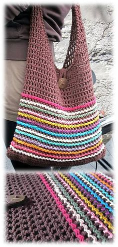 I'm going to try And find a free pattern for a single strap bag like this!