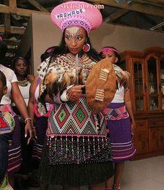 Zulu Bride Traditional Wear 2017 and 2018 ⋆ Zulu Traditional Wedding Dresses, Zulu Traditional Attire, African Traditional Dresses, Traditional Outfits, Traditional Weddings, African Attire, African Dress, African Wear, African Clothes