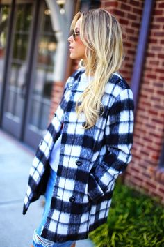 Oversized Winter Blazer With Ray Bans