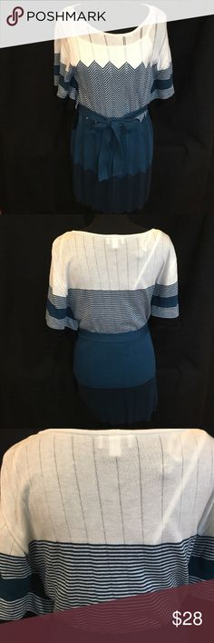 Alyx Sweater Teal & White Knit Dress with Belt Alyx Sweater Knit Dress with belt. 100% acrylic, lining in 100% polyester.  Approx 38 inches long.  Black, white and teal. Gently used. Hand wash. Alyx Dresses Asymmetrical
