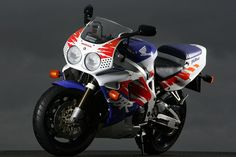 Retro File: 1992 Honda Fireblade CBR900RR - Road Tests: Used - Visordown