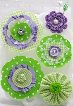 Items similar to Adorable Fabric Posies These Flowers are The perfect Embellishment Purple/Green on Etsy Burlap Flowers, Felt Flowers, Diy Flowers, Fabric Flowers, Paper Flowers, Fabric Flower Brooch, Fabric Flower Tutorial, Handmade Flowers, Handmade Crafts