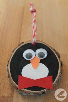 Popular and Easy Crafts - Outdoor Click Preschool Christmas, Christmas Crafts For Kids, Holiday Crafts, Christmas Diy, Christmas Activities, Spring Crafts, Penguin Ornaments, Wooden Christmas Ornaments, Make Natural