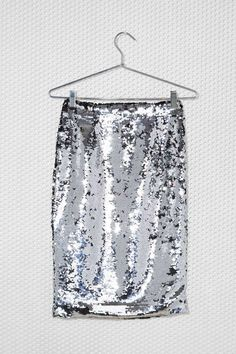 Silver Sequin Skirt//