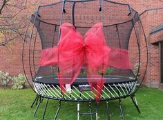 Want to learn how to make a giant bow for a trampoline, car, or other large gift? These are the instructions for you!