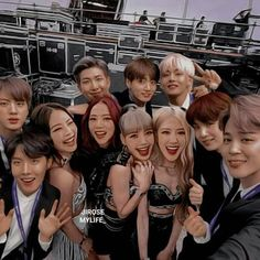 Stay With Me~ Bts×Blackpink Bts Blackpink, Bts Taehyung, Kpop Couples, Cute Couples, Bts Girl, Bts Boys, 17 Kpop, Korean Girl, Korean Couple