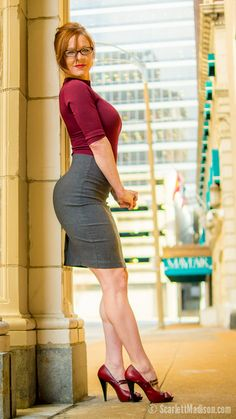 I think Scarlett Madison may just be the best tight little dress model around