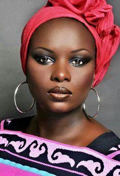 Loved by Wrapsody - South African Queen of Headwraps www.wrapsody.co.za Facebook.com/shopwrapsody Twitter