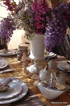 Table de Pâques..... Table Settings, Tables, Table Decorations, Furniture, Home Decor, Easter Table, Homemade Home Decor, Mesas, Decoration Home