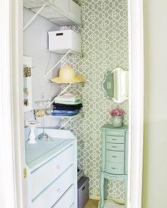 Small Master Closet, Walk In Closet Small, Master Closet Design, Walk In Closet Design, Master Bedroom Closet, Small Closets, Closet Designs, Girls Bedroom, Closet Island