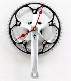 疾風!自転車! - bicycleimpressions: Your time has come! Bicycle Parts Art, Recycled Bike Parts, Bicycle Art, Pimp Your Bike, Bicycle Decor, Bike Components, Metal Art Projects, Cool Clocks, Diy Clock