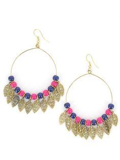 Boucles d'oreilles créoles ornées de perles roses et de feuilles dorées