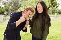 Chip & Joanna Gaines Are Returning to TV with Their Own Discovery Network: 'Excited to Be Back!' The Fixer Upper stars announced they are getting their own television network with Discovery Inc. Joanna Gaines Family, Jojo Gaines, Joanna Gaines House, Joanna Gaines Farmhouse, Joanna Gaines Style, Chip And Joanna Gaines, Fixer Upper Tv Show, Fixer Upper Joanna, Gaines Fixer Upper