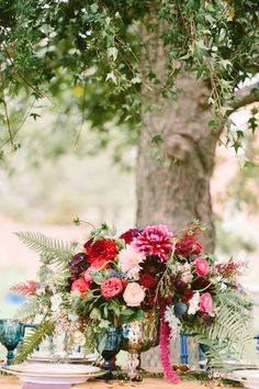 New Wedding Boho Chic Decoration Jewel Tones Ideas Wedding Reception Centerpieces, Wedding Flower Arrangements, Wedding Decorations, Reception Ideas, Table Decorations, Reception Food, Wedding Tables, Centerpiece Ideas, Wedding Receptions