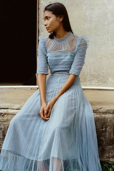 Blue Fashion, Colorful Fashion, Fashion 2020, Fashion News, High Fashion, Fashion Beauty, Fashion Show, Fashion Trends, Fashion Inspiration