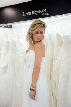 Vestidos de novia para que brilles con luz propia. www.elenareynoso.com