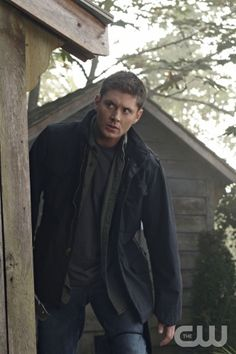 """""""Family Matters"""" - Jensen Ackles as Dean in SUPERNATURAL on The CW.  Photo: Michael Courtney/The CW  ©2010 The CW Network, LLC. All Rights Reserved."""