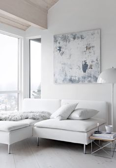 Modern Sofas With a Unique Design: Perfect Furniture Pieces To Inspire Tour Living Room Décor! Minimalist Interior, Modern Interior Design, Interior Design Inspiration, Nordic Interior, Danish Interior, Decor Room, Living Room Decor, Home Decor, Muebles Living
