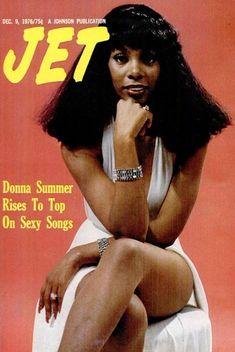 "superseventies: ""Donna Summer on the cover of Jet magazine, December "" Jet Magazine, Black Magazine, Dance Music, Ebony Magazine Cover, Magazine Covers, Dona Summer, Musica Disco, Vintage Magazines, Vintage Photos"