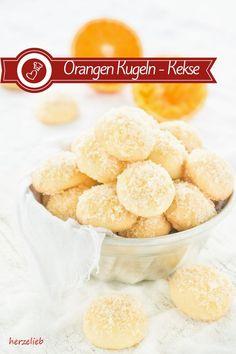 Kekse Rezepte, Plätzchen Rezepte: Rezept für Orangen Kugeln mit Zuckerhaube. Kekse, die nicht nur zu Weihnachten oder im Advent schmecken von herzelieb. Diese Plätzchen sind einfach, schnell und leicht zu backen #kekse #plätzchen #herzelieb #weihnachten #orangen #advent #deutsch