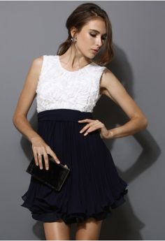 Color Block Pleated Dress with Belt in Navy