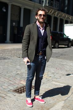 Love men wearing this style.