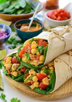 Vegan tacos with chickpeas are a super quick, easy and tasty vegan/vegetarian taco recipe for lunch or dinner. Served with a smoky aquafaba mayonnaise.