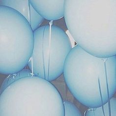 blue, balloons, and aesthetic afbeelding Blue Aesthetic Tumblr, Light Blue Aesthetic, Blue Aesthetic Pastel, Rainbow Aesthetic, Aesthetic Colors, Blue Feeds, Everything Is Blue, Blue Balloons, Color Themes