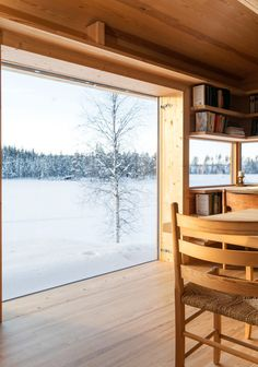 You wake up to the birds singing or the snow falling from the trees… The 48 cabin in Solør is situated about 2 hours away from Oslo, just 100 m from the road. Small Tiny House, Tiny House Cabin, Cabin Design, House Design, Norwegian House, Modern House Plans, Cabins In The Woods, House Layouts, New Homes